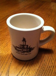 Retro Mug with photo of Detour Reef Light